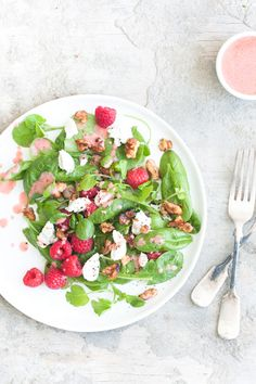 With roughly five components to throw together this raspberry and goat's cheese salad is a simple but impressive dish, drizzled with a raspberry dressing. Eating Light, Goat Cheese Salad, Kale Salad, Healthy Salad Recipes, Love Food, Goats, Veggies, Yummy Food, Dishes