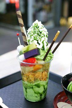 Green Tea Parfait Green Tea Dessert, Matcha Dessert, Asian Desserts, Asian Recipes, Ethnic Recipes, Milk Shakes, Japan Dessert, Japanese Sweets, Japanese Matcha