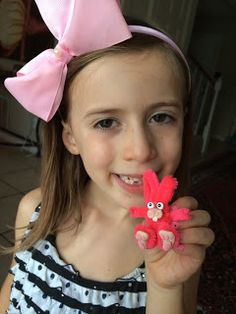 smART Class: How to make a pipe cleaner Bunny (by Shelby)