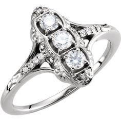 14kt White Gold Diamond Antique-Style 3-Stone Ring