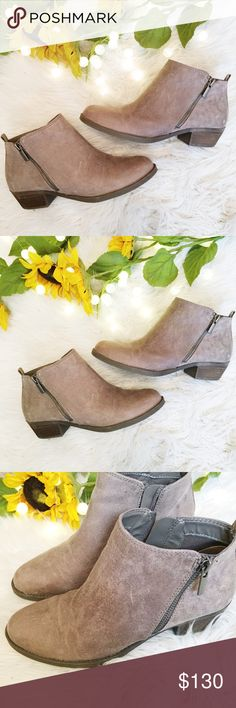 Light Brown/Tan - Carlos Santana Booties, Size 7 NWOT, light brown/tan booties. Carlos Santana. Great condition. Never been worn. Fit true to size. Carlos Santana Shoes Ankle Boots & Booties