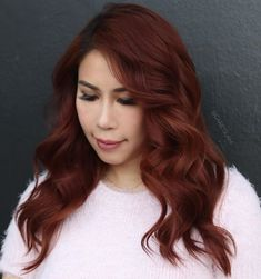 Soft Mahogany Hair Color for Fall Black And Burgundy Hair, Burgundy Hair With Highlights, Burgundy Hair Dye, Fall Hair Color For Brunettes, Maroon Hair, Hair Color Dark, Dark Hair, Hair Colour, Red Hair With Bangs