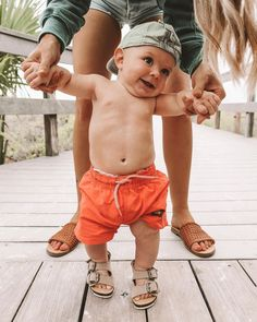 Tips for Traveling with Children So Cute Baby, Cute Baby Clothes, Baby Love, Cute Kids, Cute Babies, Babies Clothes, Beach Babies, Babies Stuff, Baby Outfits