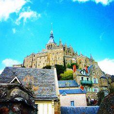 ジブリっぽい感じ。ラピュタが好きでモンサンミッシェル行くのが夢だったから、ひそかに夢ひとつ叶えた。 #フランス #モンサンミッシェル #旅行 #写真部 #ファインダー越しの私の世界 #写真好きな人と繋がりたい #写真撮ってる人と繋がりたい #ジブリ #france #MontSaintMichel #instagood #photooftheday #beautiful #travel #traveling #vacation #instatravel #trip #holiday #travelling #instapassport #instatraveling #mytravelgram #travelgram #travelphotography #wanderlust #amazingplaces #view #sun  #europe