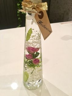 ハーバリウム スプレー薔薇と可愛いハートリーフ♡