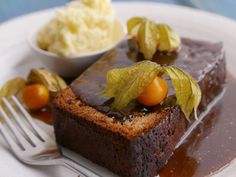 On tonight's menu is this delicious #StickyToffeePud via Simon Rimmer #whatdiet