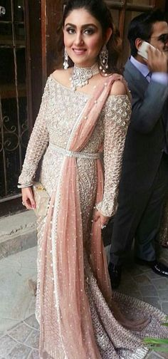 One of the prettiest bridal looks I've seen, in Photo credit: Pakistani Wedding Dresses, Indian Wedding Outfits, Pakistani Bridal, Pakistani Outfits, Bridal Outfits, Indian Bridal, Indian Dresses, Indian Outfits, Bridal Dresses