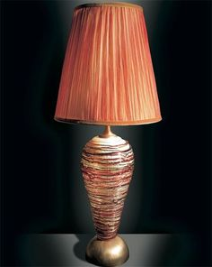 Elegante Tischlampe in Berlin und in Baden- Baden kaufen, 030/120-276-22