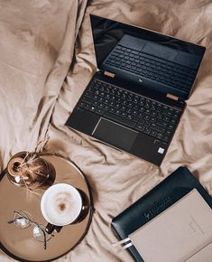 Looking for the perfect way to glam up your style? 🙌 Choose this Arise Round Style at an unbeatable price! Shop it HERE ⤵️ Hp Spectre, Your Style, Women's Eyewear, Music Instruments, Essentials, Tech, Shopping, Fashion, Tecnologia