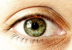 C'est scientifique, il existe un lien étroit entre votre personnalité et la couleur de votre iris ! Découvrez ce que vos yeux disent de vous.