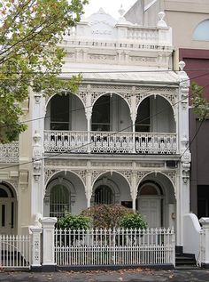 ♥ love this, so much like my Nanna's house in Stanmore Sydney