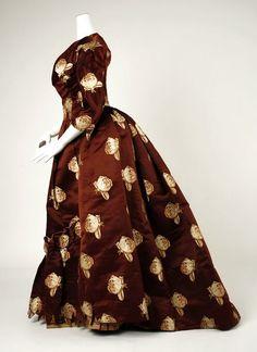 Charles Frederick Worth, costureiro e estilista inglês que vivia e trabalhava na França, é considerado o pai da Alta Costura.       Conheça ...