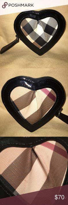 Burberry coin heart purse Preowned Burberry Accessories Key & Card Holders