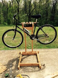 Homemade Wooden Bicycle Stand With Dual Mounting: 5 Steps (with Pictures) - Fahrrad Homemade Bike Stand, Bike Stand Diy, Bike Work Stand, Bike Repair Stand, Bicycle Stand, Bicycle Rack, Rack Velo, Bike Challenge, Wooden Bicycle
