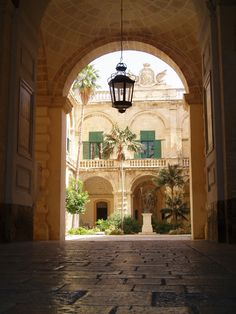 Grandmaster's Palace in Valletta, Malta http://www.maltapackageholidays.co.uk/