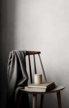 67 ideas apartment flat furniture for 2019 Scandinavian Style Home, Scandinavian Interior, Minimalist Scandinavian, Slow Living, Modern Chairs, Scented Candles, Jar Candles, Homemade Candles, Candels