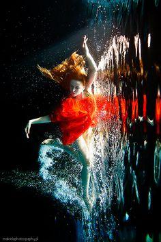 Underwater Love 3    model Basia SPP Models  canon 5DmII + 24mm L + Ewa-Marine Housing  www.makielaphotography.pl  www.makuzastudio.pl