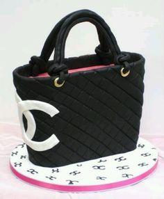 Chanel cake! Learn how to create your own amazing cakes: www.mycakedecorating.co.za #fashioncake #designercake