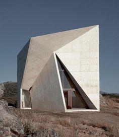 Architecture Pliage, Folding Architecture, Minimalist Architecture, Futuristic Architecture, Amazing Architecture, Contemporary Architecture, Architecture Design, Triangular Architecture, Concrete Architecture