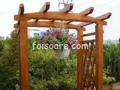 Modele pergole pentru flori Arch, Outdoor Structures, Garden, Longbow, Garten, Lawn And Garden, Gardens, Wedding Arches, Gardening
