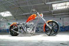 Jesse James - El Diablo II built for Kid Rock. Triumph Motorcycles, American Motorcycles, Cool Motorcycles, Custom Choppers, Custom Harleys, Custom Bikes, Motos Harley Davidson, West Coast Choppers, Kid Rock