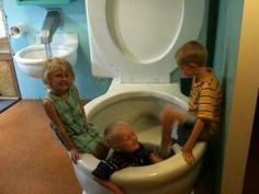 World's largest toilet, Columbus, IN! http://gobigorgohomeblog.com/636
