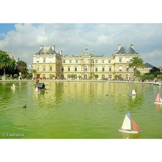 The beautiful Luxembourg Gardens in #Paris. Do you know that they were inspired by Boboli Gardens in Florence?