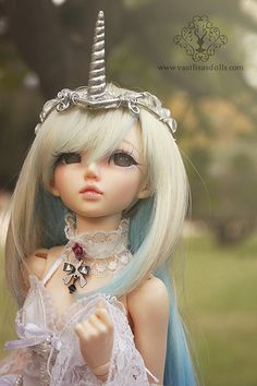 Ooak Tiara for your SD, MSD BJD, Pullip or Blythe Doll!