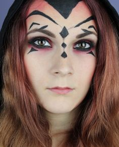 Star Wars Darth Maul inspired Make Up http://www.talasia.de/2015/12/17/star-wars-darth-maul-inspired-make-up/