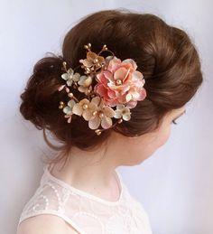 Coral pink Hochzeits Blume Toupet, gold Haar Clip, Champagner Hochzeit Haarschmuck - Herrschaft - Luxus-Hochzeit-Kopfstück, Haar Kamm, Perlen auf Etsy, 68,80 €