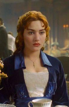 Kate Winslet as Rose DeWitt Bukater in Titanic - 1997 Costume Titanic, Titanic Dress, Titanic Movie, Rms Titanic, Titanic Art, Titanic Kate Winslet, Leo And Kate, Film Serie, Leonardo Dicaprio