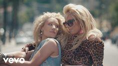 Britney Spears, Iggy Azalea - Pretty Girls  IGGY <3
