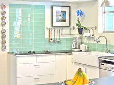 Blue Kitchen Decor, Glass Kitchen, Kitchen Colors, Kitchen Flooring, Kitchen Backsplash, Backsplash Ideas, Kitchen Small, Maple Kitchen, Contemporary Kitchen Design
