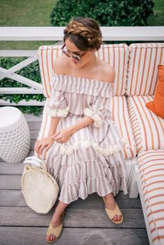 Gal Meets Glam The Dunmore, Harbour Island - Misa dress, Clare V bag, Carrie Forbes sandals & ZanZan sunglasses Fall Fashion Outfits, Spring Outfits, Prep Style, My Style, Girl Meets Glam, Pretty Outfits, Cute Outfits, Casual Chic, Spring Summer Fashion