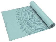 Choosing a yoga mat can be a tricky business. Depending on what type of yoga you plan to use it for, thickness you like and budget you have available the choice can be bewildering. If you practice yoga or pilates Jade Yoga, Free Yoga Classes, Small Mats, Mat Exercises, Floor Exercises, Floor Workouts, Types Of Yoga, Yoga Accessories, Best Yoga
