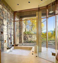 pierre naturelle dans salle de bain
