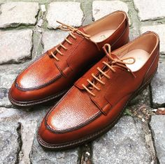 Durham is an apron fronted derby shoe made from the finest scotch country grain leather with Dainite rubber soles. From the Men's Main Collection.