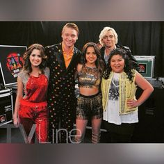 becky-wow! ok so I bumped into the Austin and ally cast or (crew) today,went to take a picture with them.keep it up!!!!!!!!!!