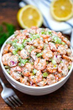 Shrimp Salad Recipe - Sweet and Savory Meals Shrimp Salad Recipes, Salad Recipes Video, Seafood Salad, Healthy Salad Recipes, Seafood Dishes, Fish Recipes, Seafood Recipes, Shrimp Salads, Shrimp Pasta