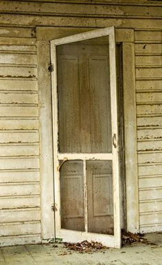 Remember the old screen door....love the sound