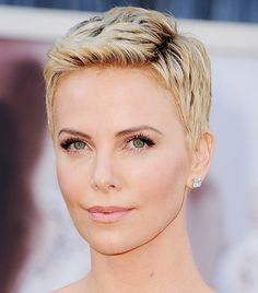 I love her SO freaking much, it only makes sense I'd love her hair...I think I'll try it :3