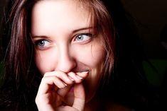 La sonrisa y la autoestima están conectadas. Si tienes unos dientes rectos, sonríes con confianza. En el caso contrario, tienes la tendencia de esconder la sonrisa.#dentistaenboadilla #clinicadentalenboadilla #revisiondentalenboadilla #limpiezadentalenboadilla #saludbucalenboadilla #higieneoralenboadilla #clinicadentalinfantedonluis #dentalarroque #odontologoenboadilla #odontologiaenboadilla #sonrisaenboadilla #esteticadentalenboadilla #boadilla #boadilladelmonte #tratamientodentalenboadilla Stud Earrings, Eyes, Oral Hygiene, Dental Implants, Cavities, Dental Health, Teeth Cleaning, Tooth Bleaching, Stained Teeth