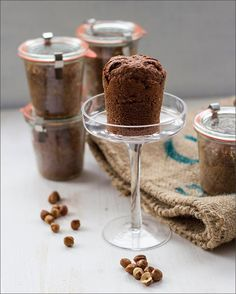 Advent biscuits: chocolate spice cake in a glass - culinary Christmas presents - Kuchen & Torten - sandwich Pumpkin Spice Cupcakes, Spice Cake, Easy Smoothie Recipes, Snack Recipes, Easy Christmas Treats, Christmas Gifts, Christmas Cookies, Cake In A Jar, Holiday Cookie Recipes
