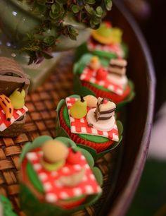 Cupcakes personalizados no tema piquenique