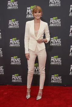 2013 MTV Movie Awards: Bella Thorne Style Lookbook. ModaMob Fashion and Style Lookbooks.