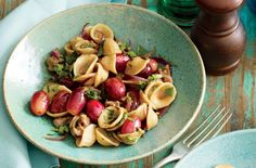(Healthy) Pasta Recipes   Pasta with Sausage and Red Grapes
