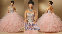 Un talle ajustado y la falda amplia con muchísimo vuelo te hará sentir que flotas por las nubes. Este modelo te hará lucir como una verdadera princesa. #BridesAndDreams