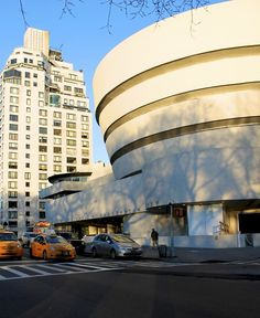 NYC. Guggenheim Museum by Alberto Reyes