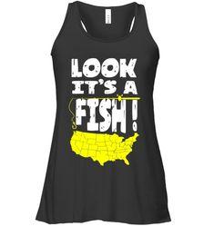 FUNNY USA MAP FISHING LOOK IT'S A FISH Fishing Shop, Best Fishing, Kayak Fishing, Fishing Apparel, Fishing Shirts, Fishing Videos, Fish Design, Fishing Outfits, Map