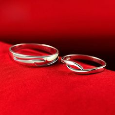 Customized Sterling Silver Couples Wedding Bands with Names